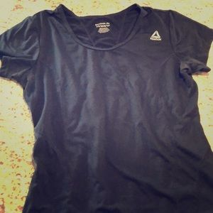 Reebok XS fitted tee